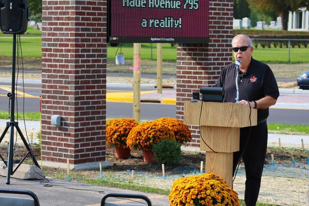 Tom Schmitz speaking at Avenue 795 on 10/09/20.